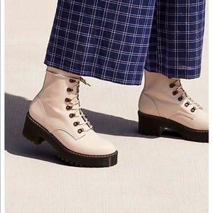 ***ISO*** Dr Martens Leona Boots in Temperley Bone